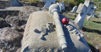 Традиційна толока на Сотниківському козацькому цвинтарі (фото/відео)